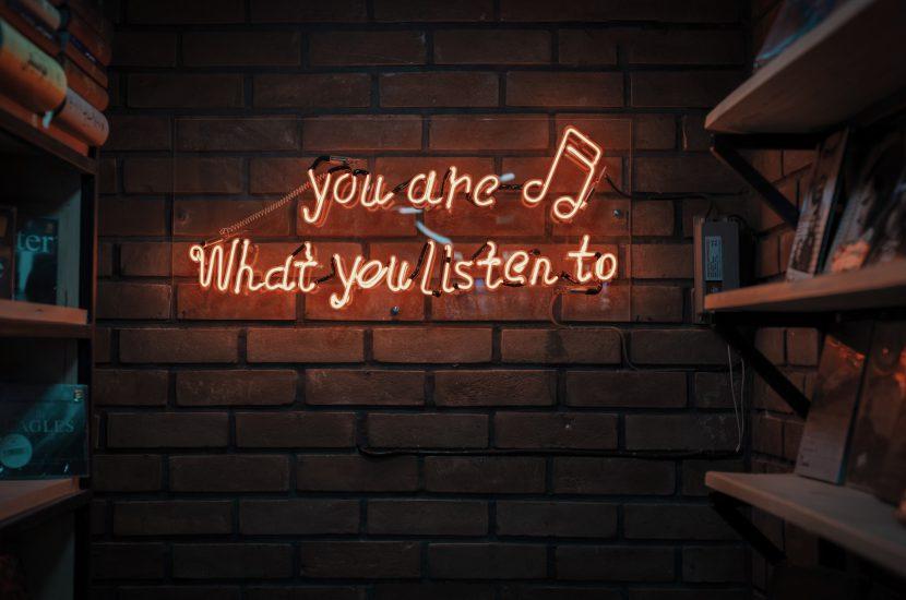 Jak uczyć się języka z piosenek w 6 krokach