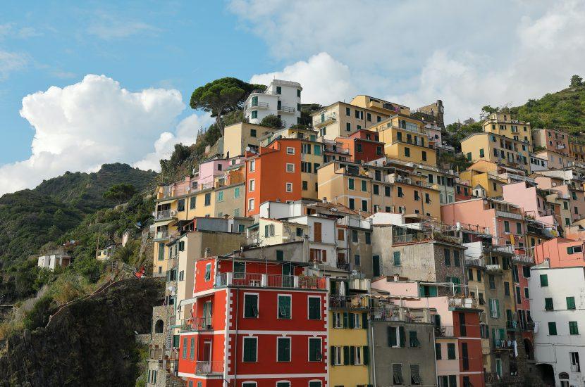 Vlogi po włosku – czy warto je oglądać w każdym języku?